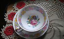 ROYAL IMPERIAL FINEST BONE CHINA EXQUISITE FLOWER DESIGN TEA SET