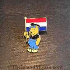 Disney Catalogue winnie the Pooh Around World Netherlands Pin (UI:22168)