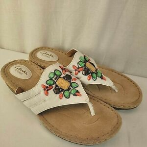 Clarks Artisan Womens Sandals Size 11 M Amaya Yarrow Thong Beads Embellished