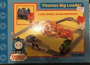 Thomas the Tank Engine & Friends Big Loader  Playset Vintage 2001
