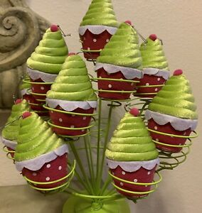 FELT PLUSH CUPCAKE CHRISTMAS ORNAMENTS HOLIDAY BIRTHDAY DECOR SET OF 10
