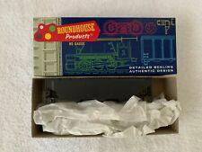Roundhouse #1610 HO Scale Undecorated 3-Bay Offset Hopper Kit