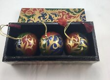 Vintage Christmas Wooden Ornement Set Of 3 In Matching Wooden Box