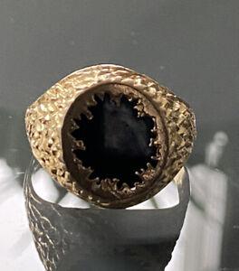 London 9ct Gold Signet Ring 1970s Bark Effect Black Onyx