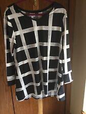 Lularoe NWT Large Elizabeth Swing Top Black and White large print plaid