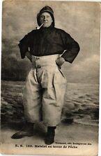 CPA Matelot en tenue de Péche (196104)