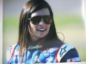 Danica Patrick signed #7 HOT WHEELS JRM Chevy NATIONWIDE ROOKIE 8x10 Photo