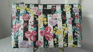 Betsey Johnson Wristlet Cosmetic Bag Printed Pebble Floral Black & White NWT