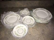 SERVICE FOR 5 WEDGWOOD WESTBURY PLATES