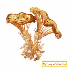 Vintage Diamond Enamel 18K Gold Flower Pin Brooch 21.0 Grams