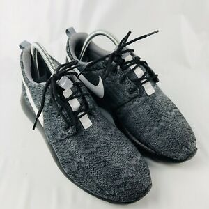 Nike 7Y Roshe Run GS Black White Cool Grey Youth 677782-001 Rosherun One Rare