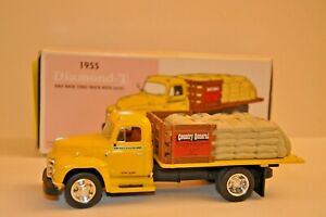 First Gear Collectible 1955 Diamond T Half Rack Stake Truck With Sacks 1:34 Scal