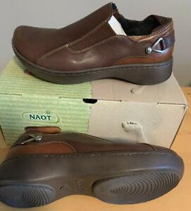 NAOT Footwear Women's Nautilus Shoe, Toffee/Maple Brown Leather, Size 8 (EU 39)