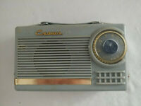 Crown PR-530 Portable tube radio from 1956 with branded carrying case