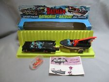 AJ784 CORGI TOYS GIFT SET 3 BATMAN ET BATMOBILE + BATBOAT BON ETAT