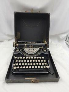 Underwood Portable Typewriter w/ Case