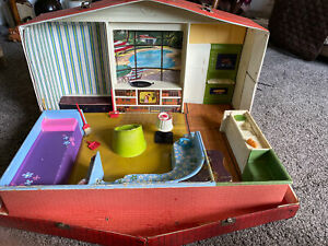 Vintage Barbie & Skipper Deluxe House Vinyl Fold Out Play Case Big