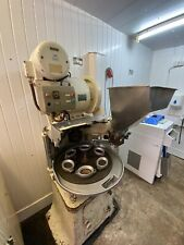 More details for peerless omatic pie machine kwf64 with 6 dies and stainless steel hopper