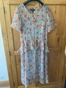 Topshop midi floral dress size 8 with underslip
