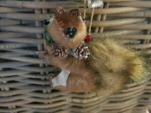 Gift Company  X Mas / Christmas Weihnachten Anhänger Eichhorn  braun  NEU