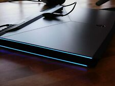 New listing Mint! Alienware 17 R4, I7-7700Hq, 16Gb Ram, 128Gb+ 500G Ssd's +1Tb Hdd.