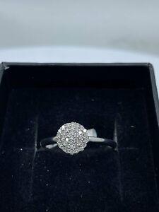 9ct White Gold & Diamond - HJ008