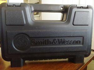 Smith & Wesson S&W Black Factory Hard Case Gun Handgun for M&P 40C Caliber