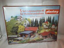 5 Gebäudebausätze H0 1/87 OVP Dorfset 4 Schrebergärten Bahnhof Kapelle Sägemühle