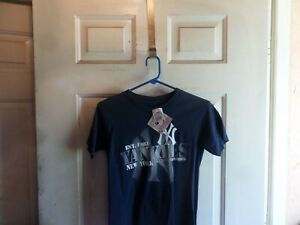 New York Yankees MLB Genuine Merchandise T-shirt Youth Size S New with tags