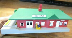 Bachmann HO Scale Lighted Passenger Station #46217 USED