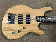 PRS SE Kingfisher Bass 4-string Electric Bass, Ash Body, Maple/Walnut Neck, Nat.