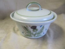 BUCHAN POTTERY THISTLEWARE SCOTLAND 1.25 QT. COVERED CASSEROLE EXCELLENT COND.