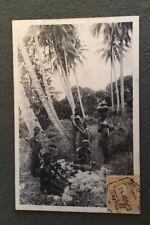 CPA. PEALING COCONUTS. Mozambique. Noix de Coco. Travailleurs. 1913.