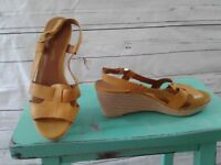 Franco Sarto Womens Yellow Sandals 8M LEATHER Espadrilles Platform Wedge Heels