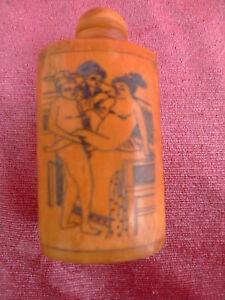 Vieux Tabac à Priser - Bouteille __ Érotique Darstellungen__ Chine __Richflasche