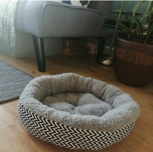 Small Dog / Small Cat / Kitten Bed Chevron Soft Pet