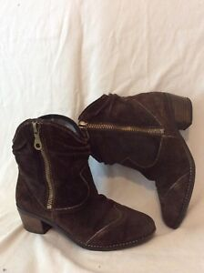 Clarks Dark Brown Ankle Suede Boots Size 6D