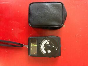 Vintage Vivitar Model 45 Working Light Meter with Case