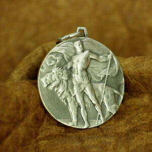 925 Sterling Silver Brave and Lion Pendant Mens Round Relief Pendant TA183B JP