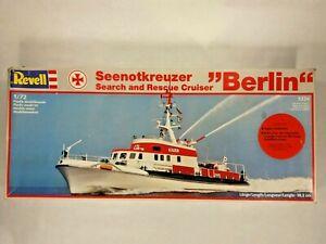 REVELL 1/72 Seenotkreuzer Search and Rescue Cruiser Berlin 5226