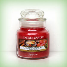 Yankee Candle® Housewarmer® Christmas Memories 104 g