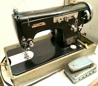 Vintage White Model 628 Zigzag Sewing Machine with Foot Pedal