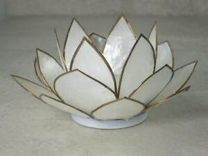 Lotuslicht, Lotusblüte als Teelichthalter, Farbe weiß, Windlicht