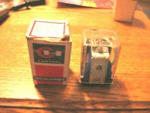 2X Cutler-Hammer D5PR3A Plug-in Relay Ser. A2 120 V Coil w/ D5PA2 Socket 11-Pin