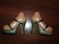 Bratz Doll Shoes Sasha Skin Tone BLACK STRAPS BRONZE SOLES AND HEELS  VHTF