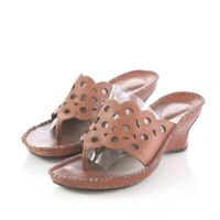 Clarks Artisan Clay Red Leather Cut Out Thong Style Wedge Sandals Womens 6.5 M