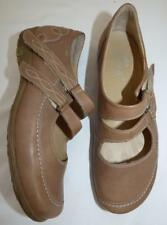 $350 DUREA mary-jane COMFORT SHOE 10 WIDE FITTING khaki LEATHER flat heel xcon