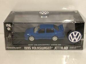 Volkswagen Jetta A3 1995 Blue 1:43 Scale Greenlight 86323