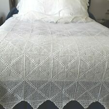 """VINTAGE HAND-CROCHET COTTON COVERLET /BED SPREAD  aprox 74"""" x 89"""" - NICE!"""