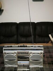 PHILIPS D 8134 Ghettoblaster Radiorecorder.